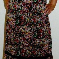 8ea0d286106d Nádherné jemně vzorované maxi šaty SUBLEVEL